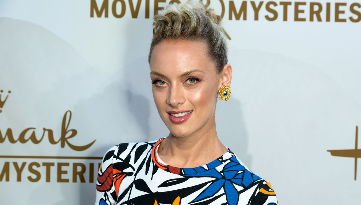 'Batwoman': Rachel Skarsten Set To Play Villain Alice In The CW's Pilot