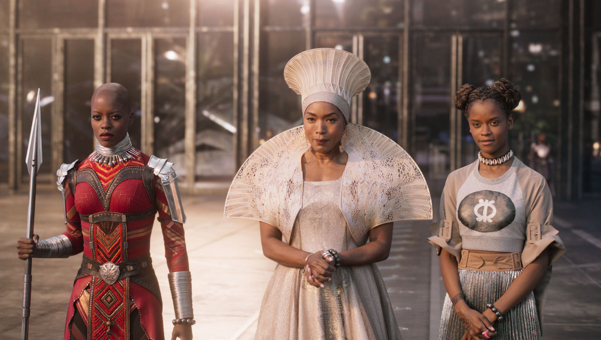 Bring the costumes of Black Panther and Mary Poppins into your home with this Oscars-inspired AR