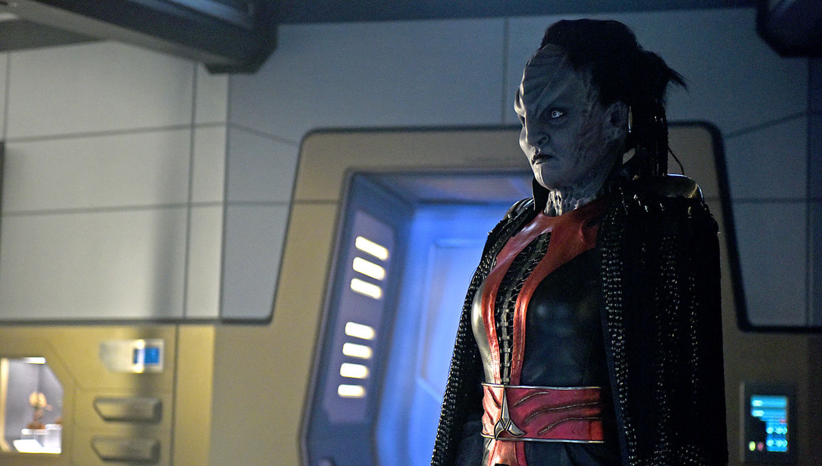 Mary Chieffo as L'Rell on Star Trek: Discovery (Credit: John Medland/CBS)