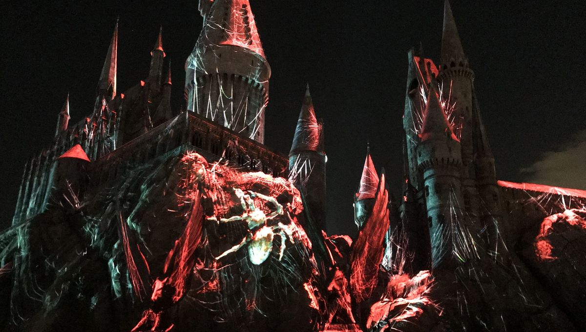 5 reasons to attend Universal Studios Hollywood's new 'Dark Arts at Hogwarts Castle' nighttime light show