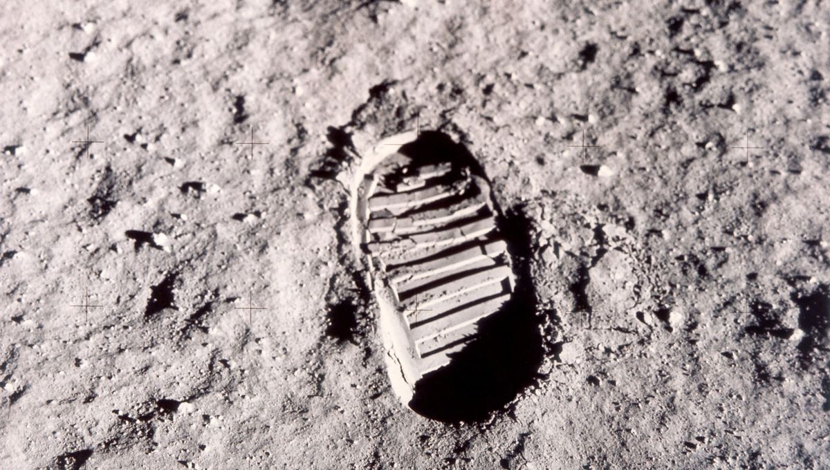 Apollo 11 Lunar Module Timeline Book up for auction
