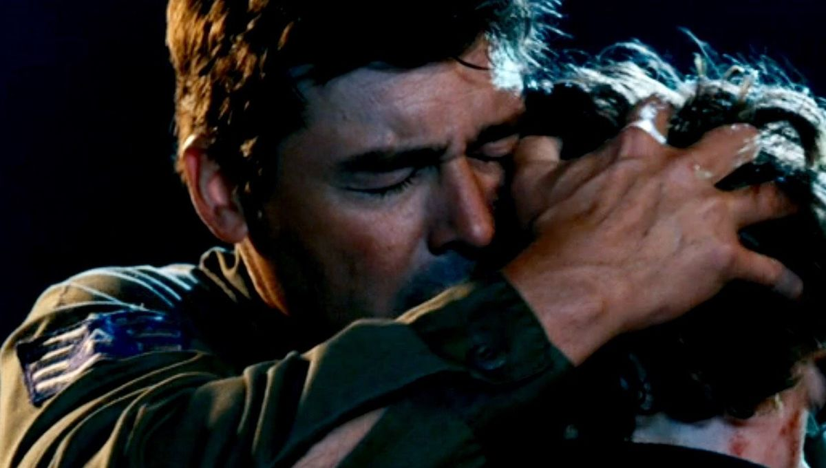 A tribute to Kyle Chandler's distant dad in Super 8 and Godzilla