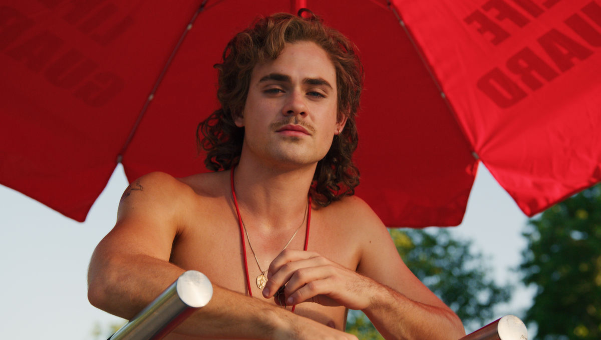 Stranger Things 3 Star Dacre Montgomery On Billy S Big Story This Season