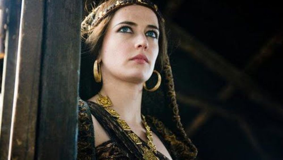Morgan Le Fay of Starz's Camelot slayed with her witchy tricks