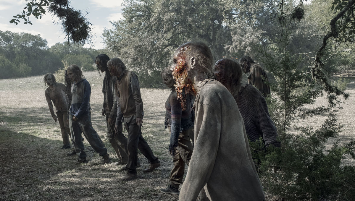It's wall to wall zombies in this week's Fear the Walking Dead