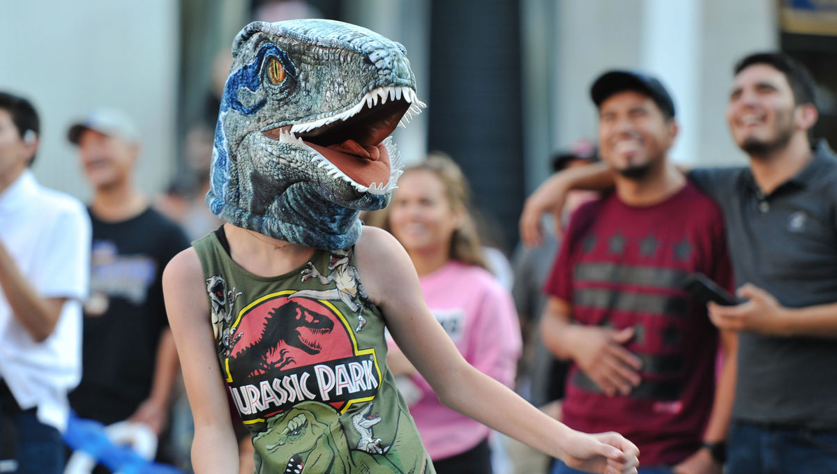 Theme Park News: The remade Jurassic Park ride roars and Six Flags