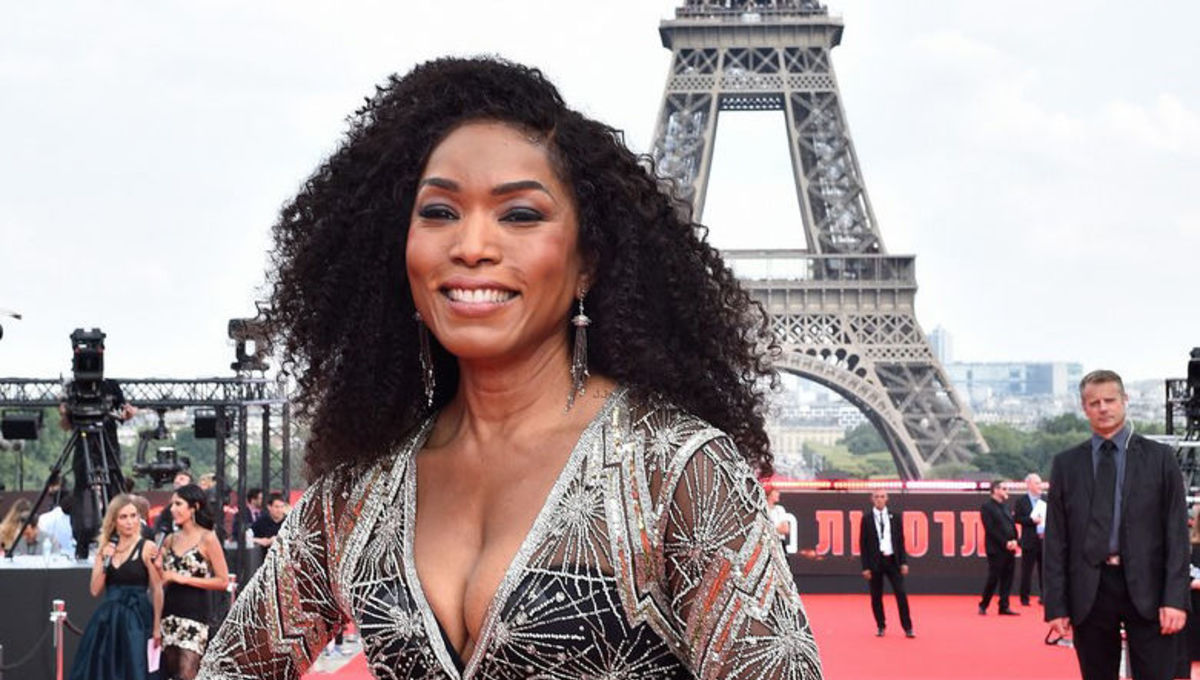 Seven movies that would be better with Angela Bassett