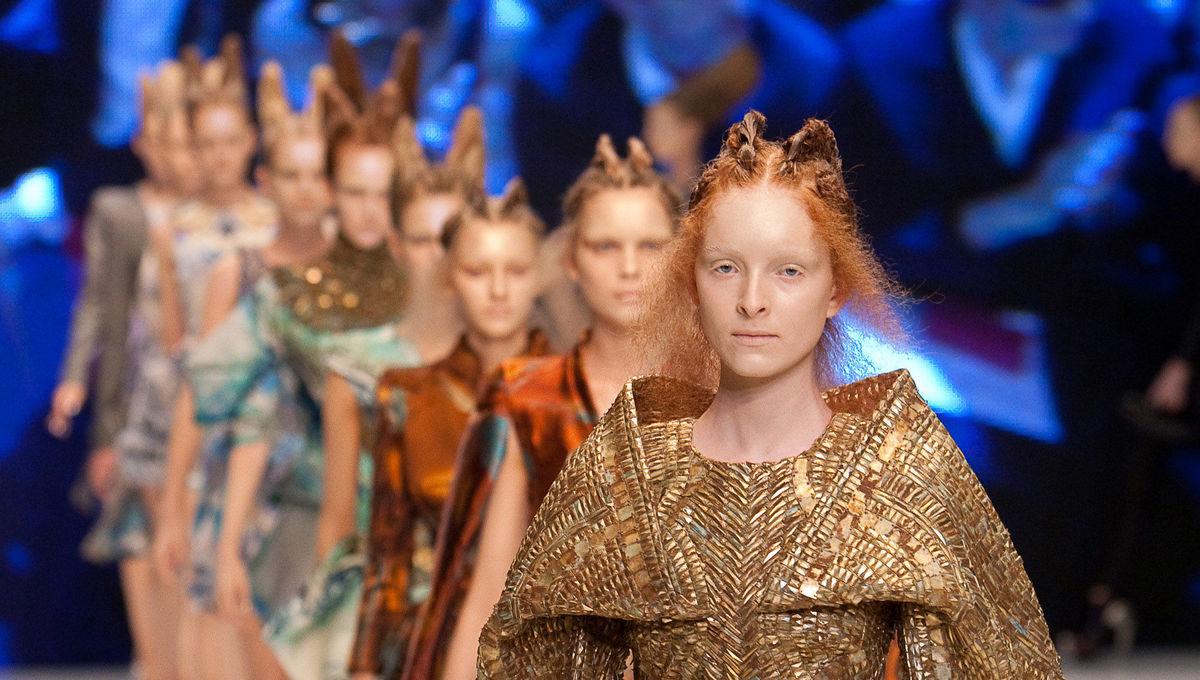 The surprise Alien and Predator influences in Alexander McQueen's final runway show