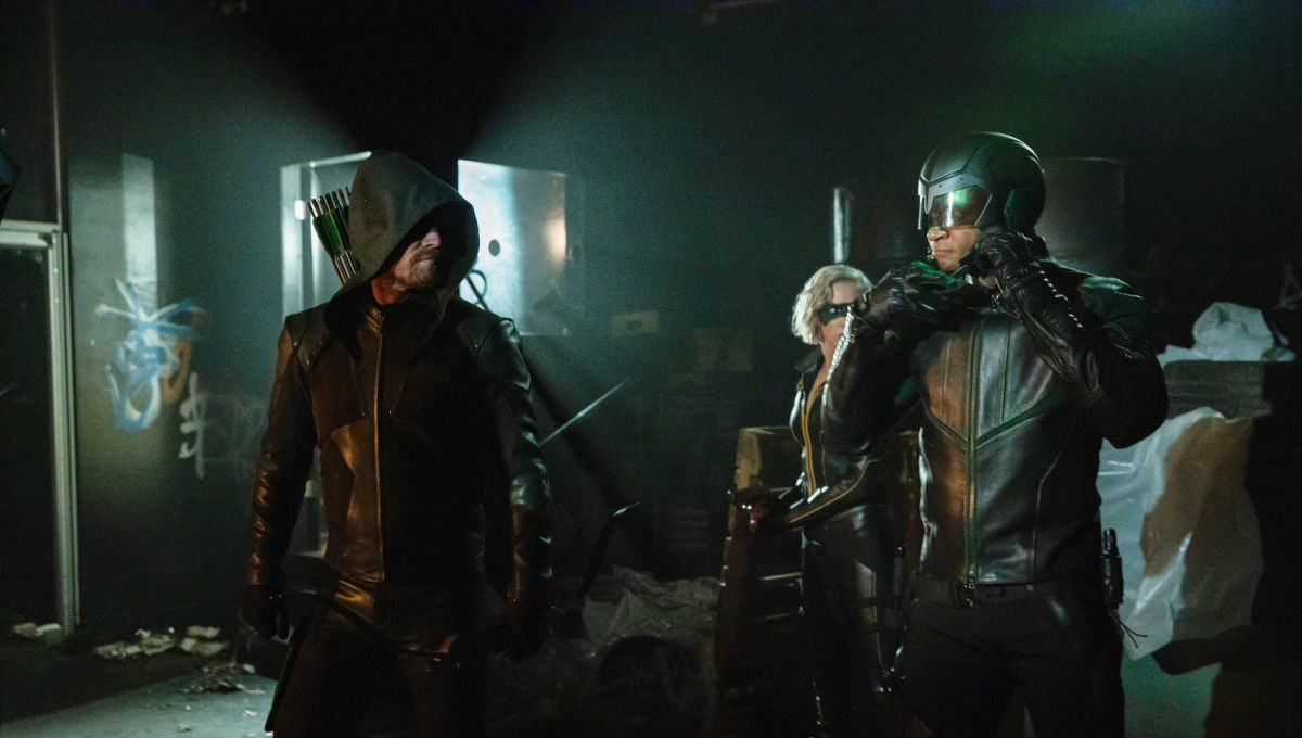Oliver gets a first hand look at the multiverse's end in the Arrow Season 8 premiere