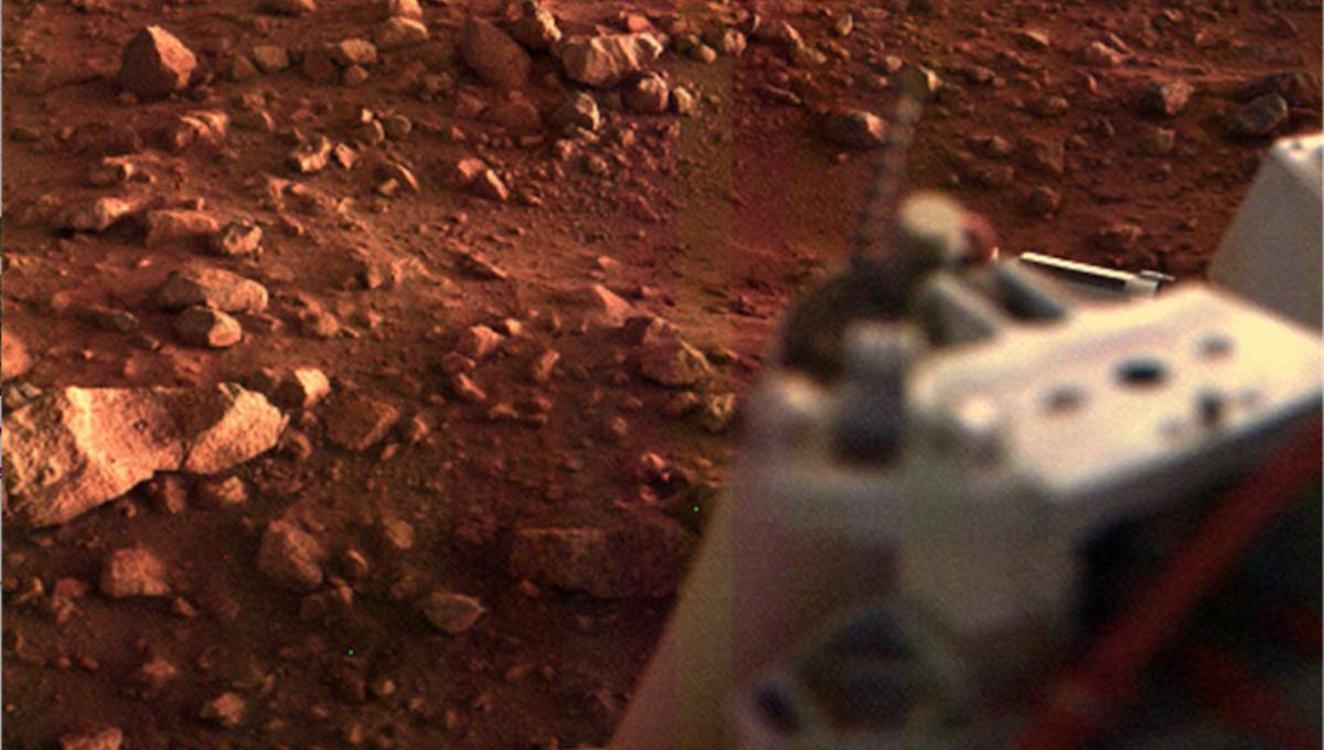 There's life on Mars, says a scientist who thinks he found the evidence 40 years ago