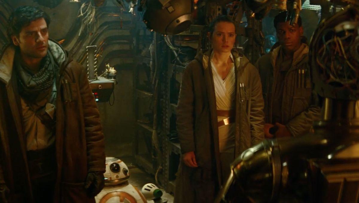 Breaking down The Emperor's return in the final Star Wars: The Rise of Skywalker trailer