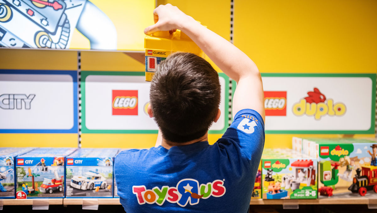 is toys r us coming back in 2020