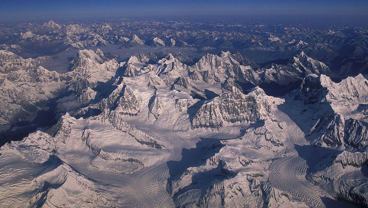 Stock up on Vitamin-C! Scientists find new viruses frozen inside Tibetan glacier