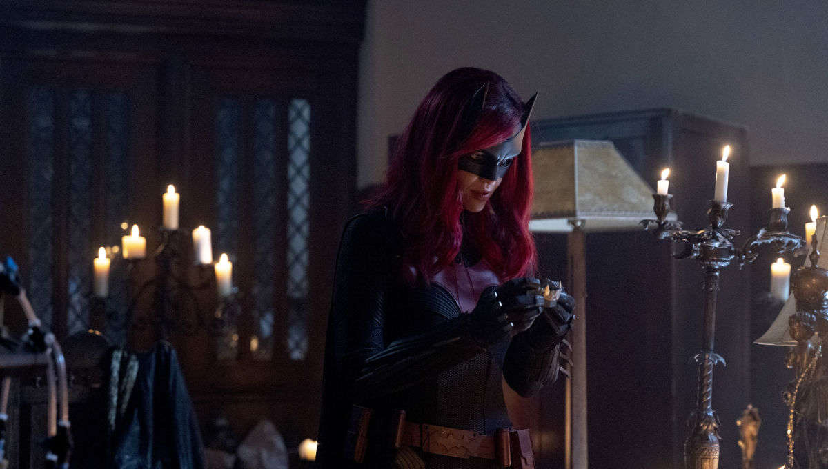 Batwoman 'Drink Me' recap: Kate Kane, I presume