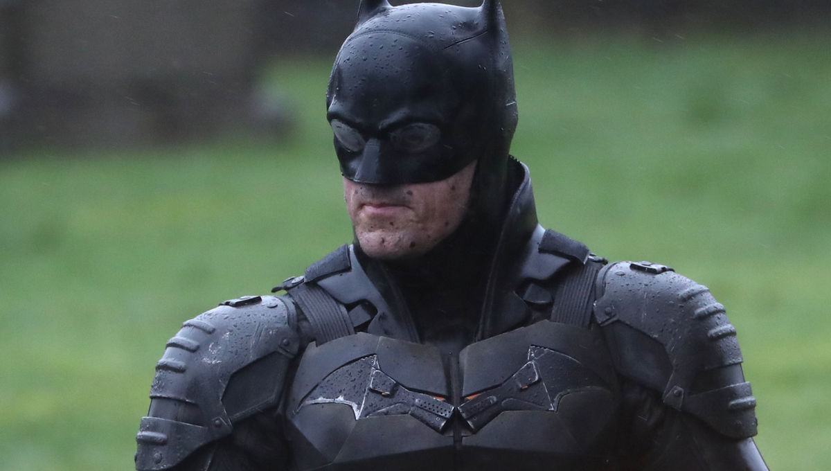 The Batman shows off Batsuit, motorcycle in cemetery production pics