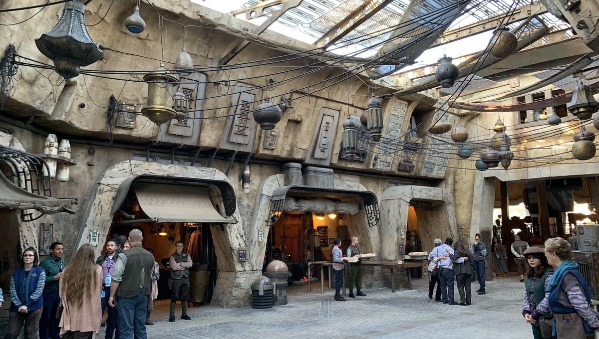 Galaxy's Edge was open 20 minutes at Disneyland before it filled to
