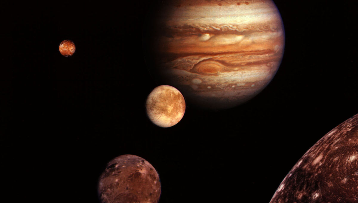 A collage of Jupiter and its four biggest moons, imaged by Voyager 1. Credit: NASA/JPL-Caltech