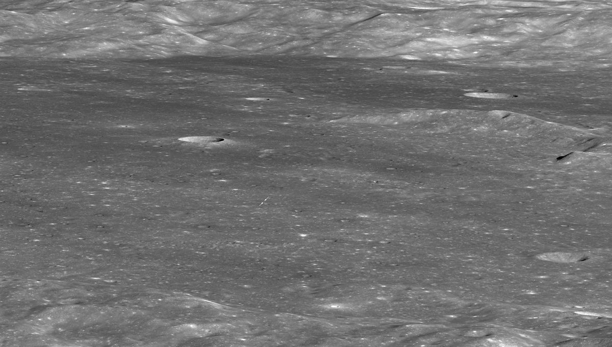 The Lunar Reconnaissance Orbiter took tis image of von Kármán crater on the Moon's far side, showing the location of the Chinese lander and rover Chang'e-4 and Yutu-2. Credit: NASA/GSFC/Arizona State University