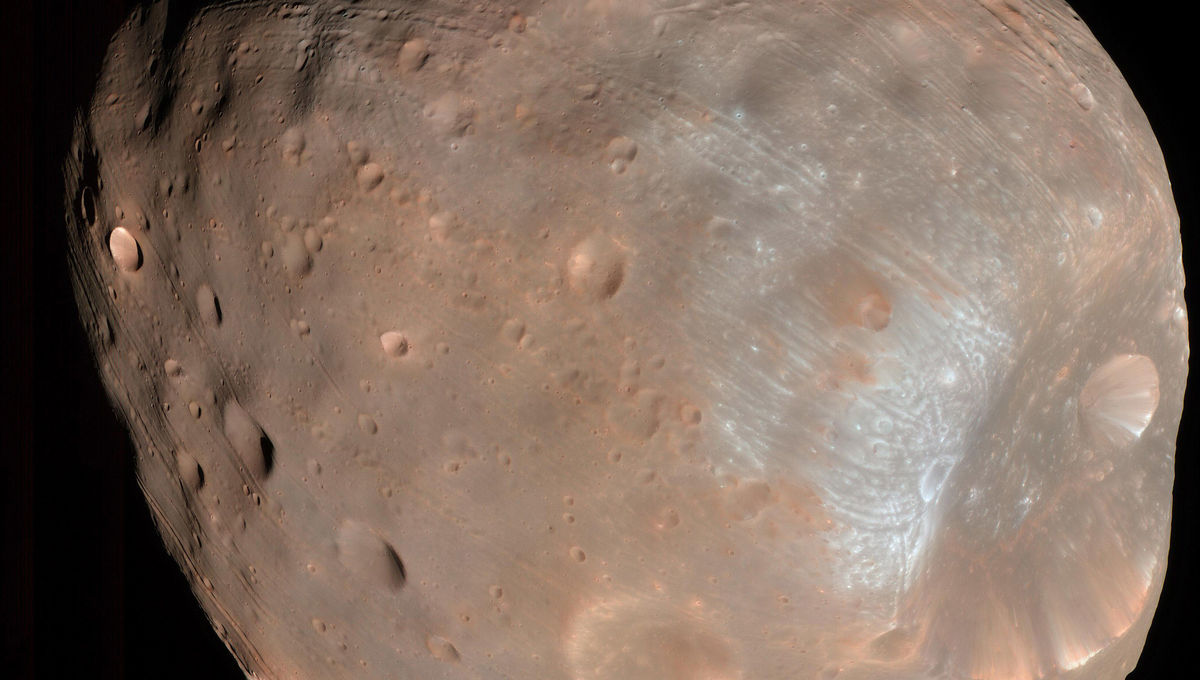 Flyby video of a Martian moon