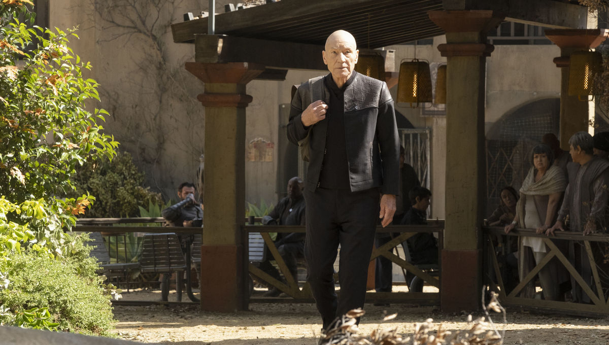 Star Trek: Picard brings back a crucial, beloved character and gets swashbuckling again