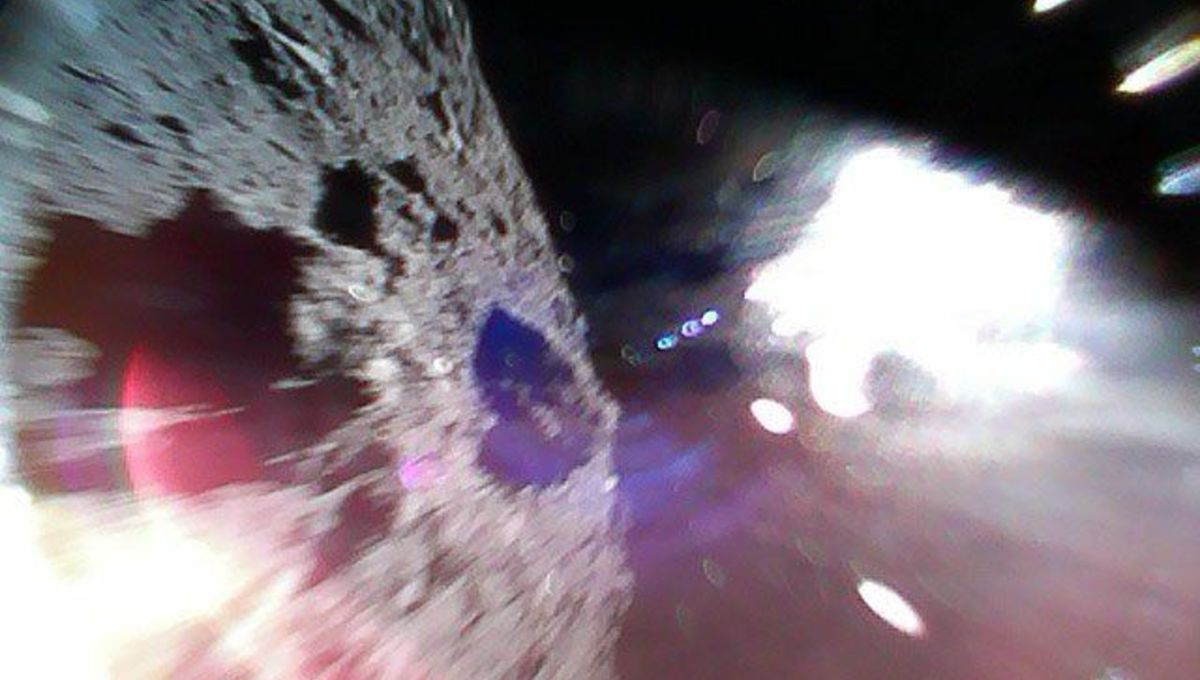Robots are now hopping around on the surface of an asteroid