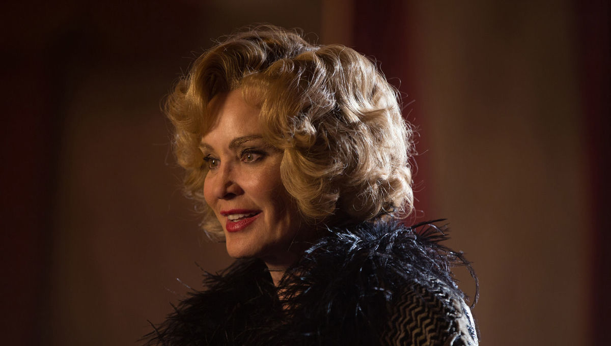 Ryan Murphy posts first pic of Jessica Lange in American Horror Story