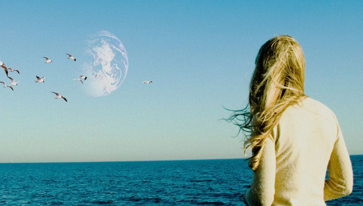 2011_another_earth_003.jpeg
