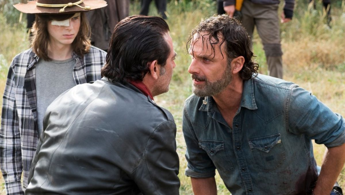 7-details-you-may-have-missed-on-the-extended-walking-dead-season-7-finale.jpg