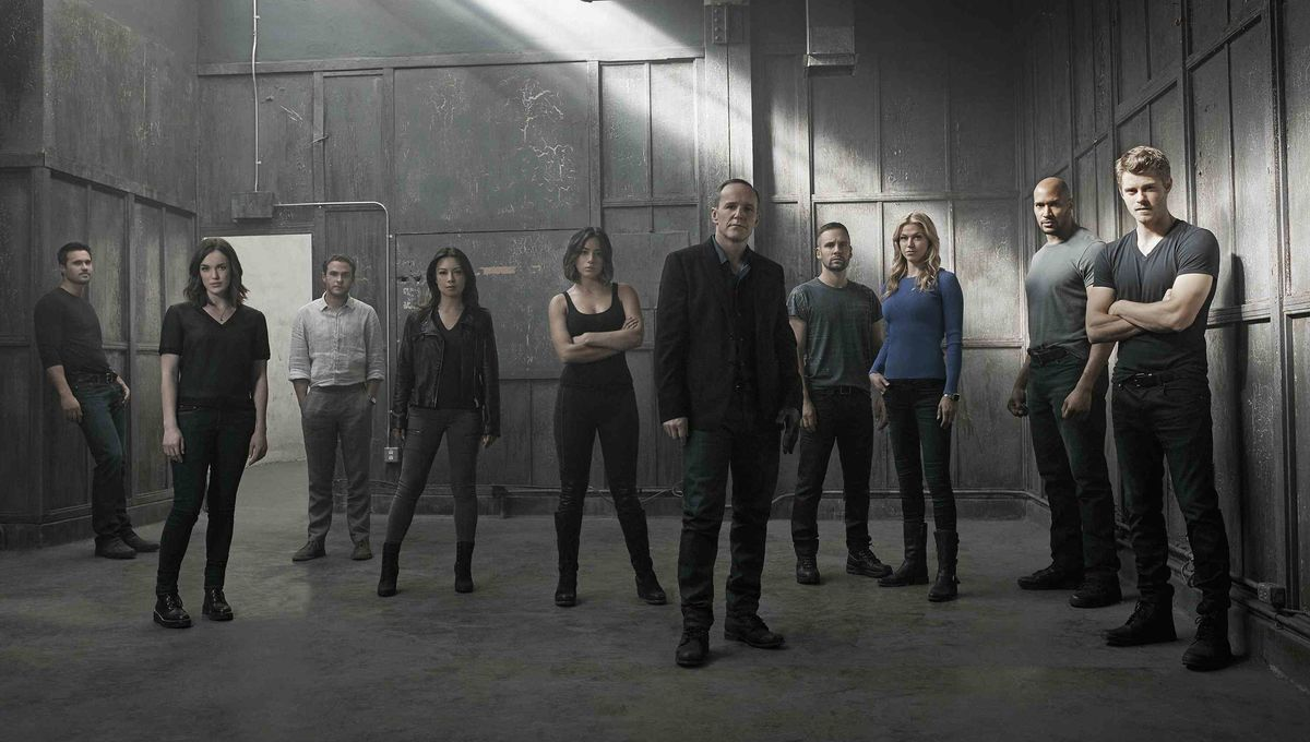 Agents Of S H I E L D Cast Promise Fans A Messy End For Season 3