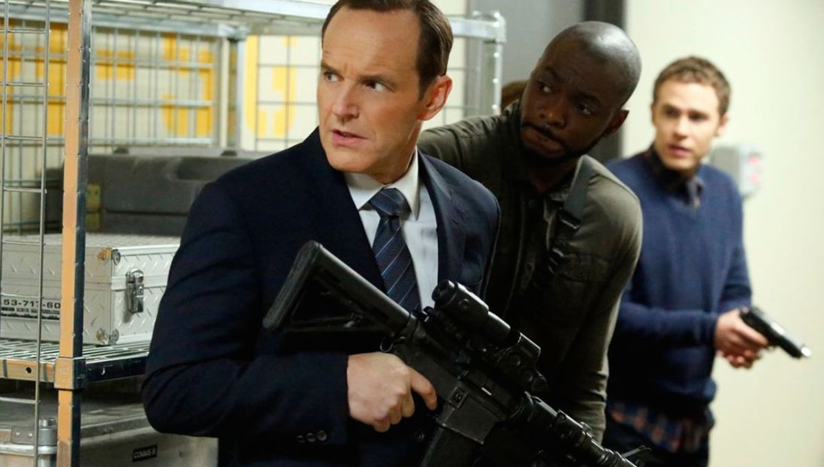 Agents-of-SHIELD-1x19-Nothing-Personal-1.jpg