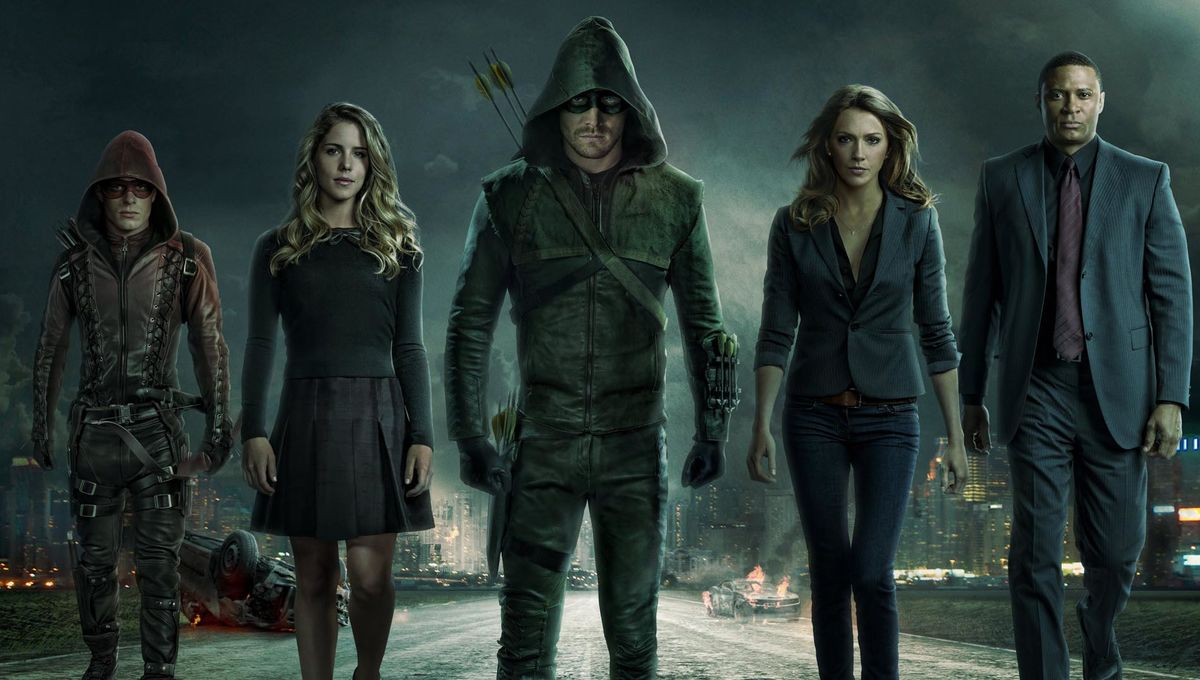 Arrow_Cast_TheCW.jpg