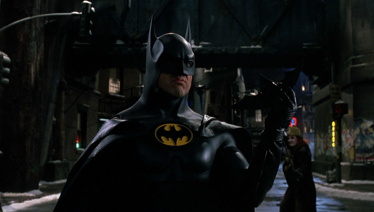 Batman_Returns_-_Batarang.jpg