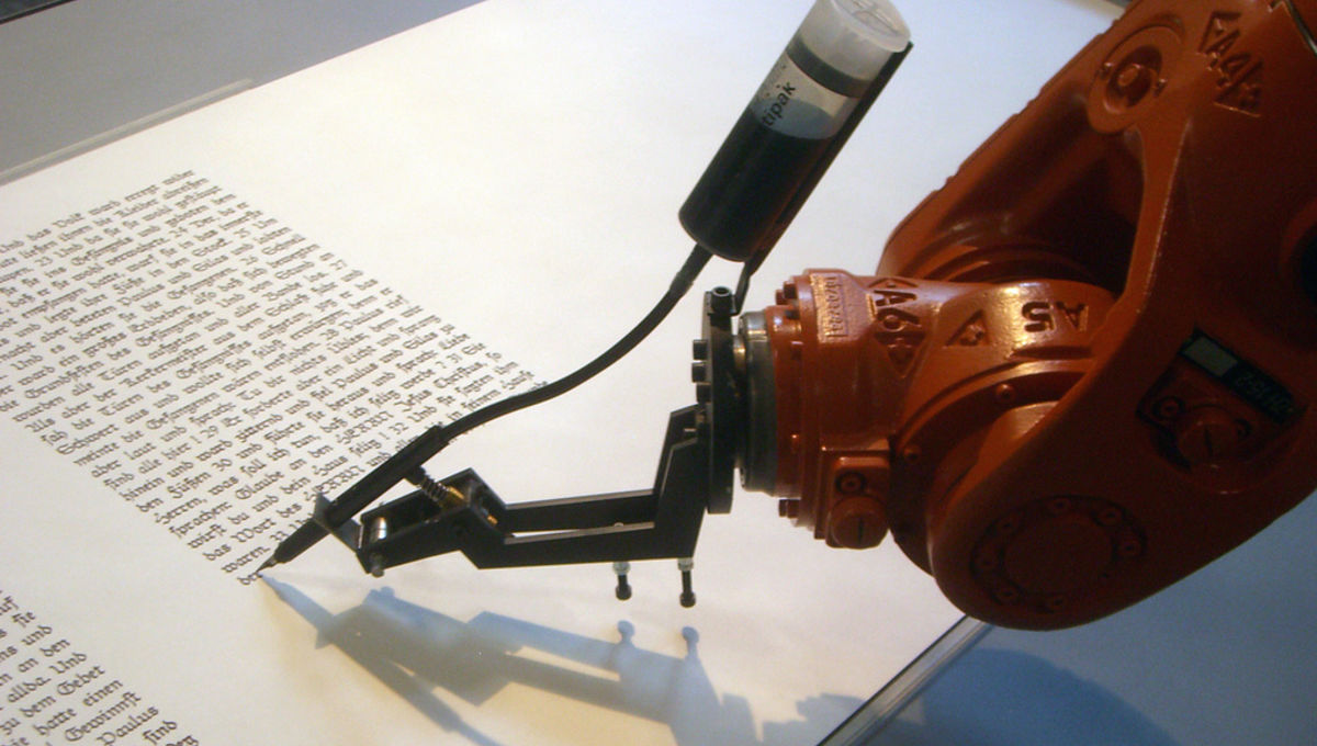 Bios_robotlab_writing_robot.jpg