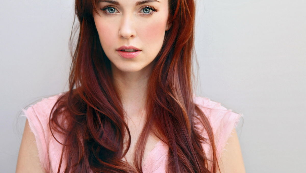 Elyse Levesque party sports