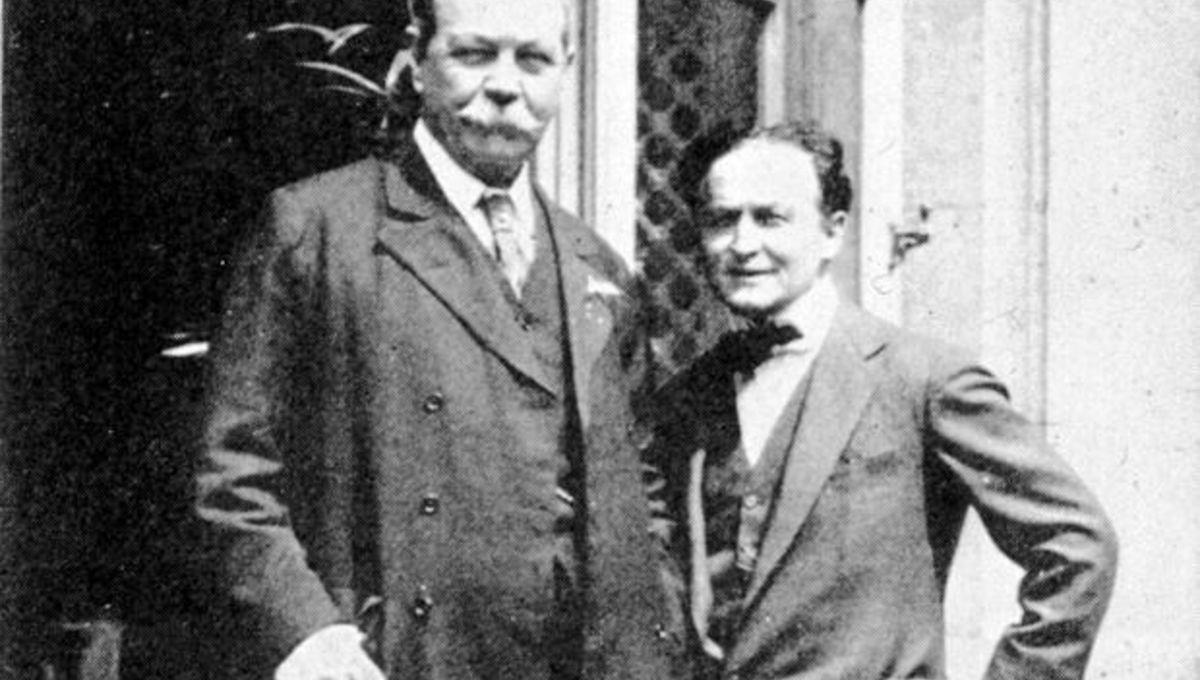 Houdini-Doyle.jpg