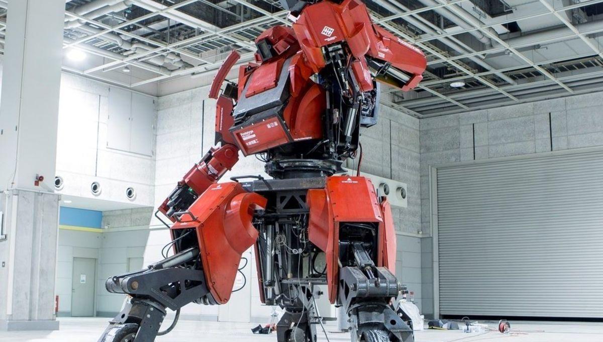 KuratasGiantRobot.jpg
