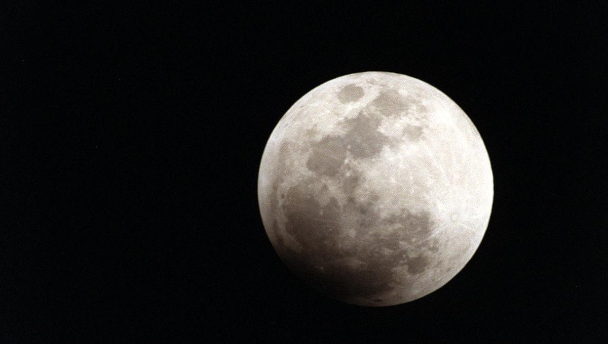 Moon_0.jpg