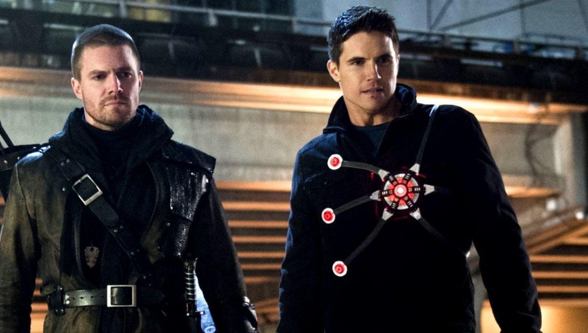 Robbie-Amell-Stephen-Flash-Arrow-Firestorm-Team-Up.jpg