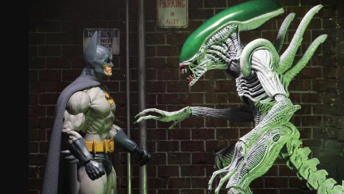 Toy Fair 2017 Superman And Batman Vs Aliens And Predator Action Figures Syfy Wire