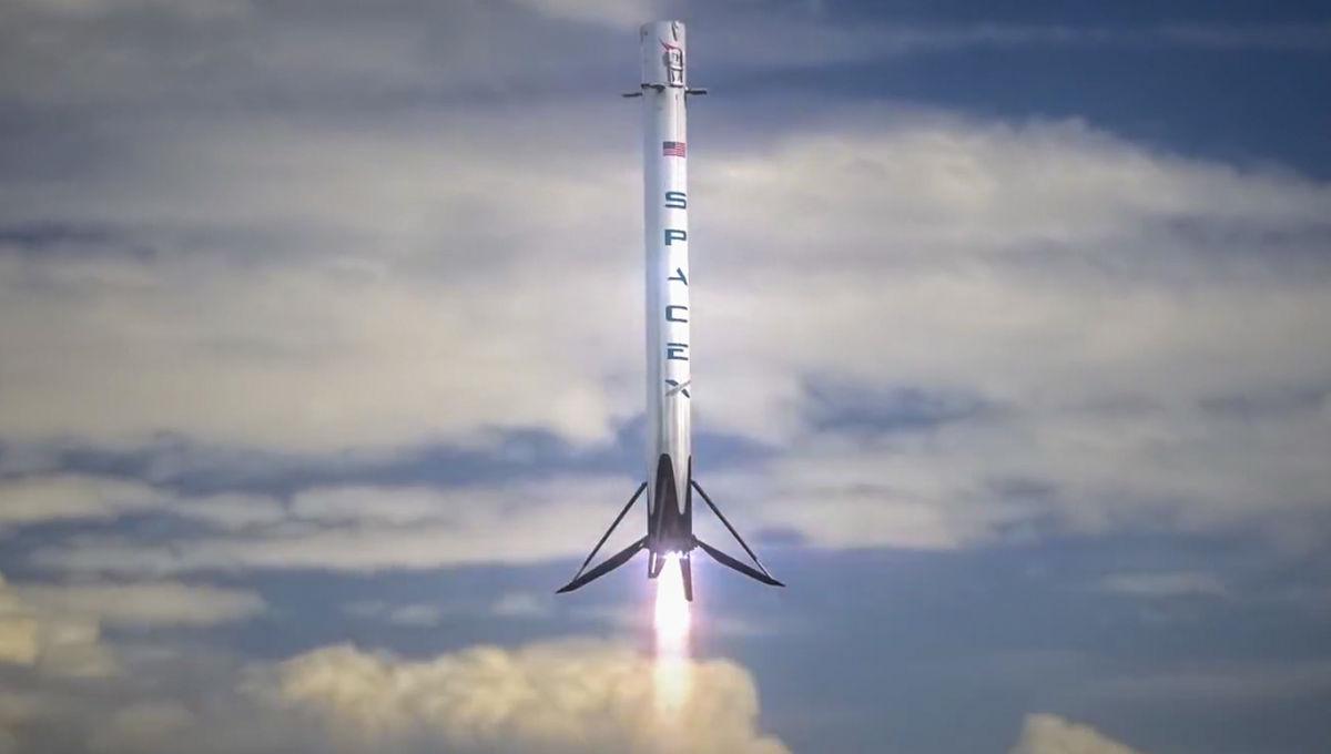 Spx-F9-Landing-Burn.jpg