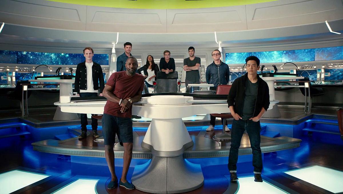 Star_Trek_Beyond_cast_Omaze-1.jpg