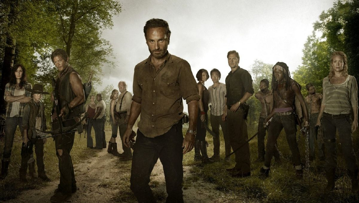 Walking Dead Andrew Lincoln with Cast.jpg