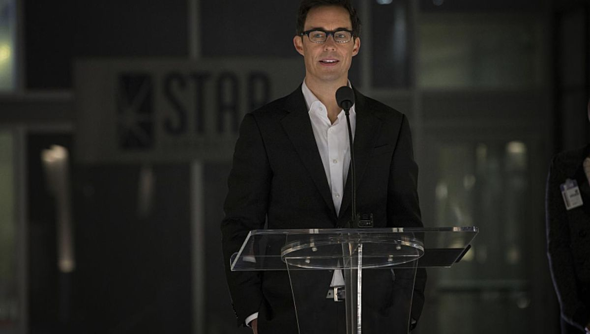 The Flash with Tom Cavanagh