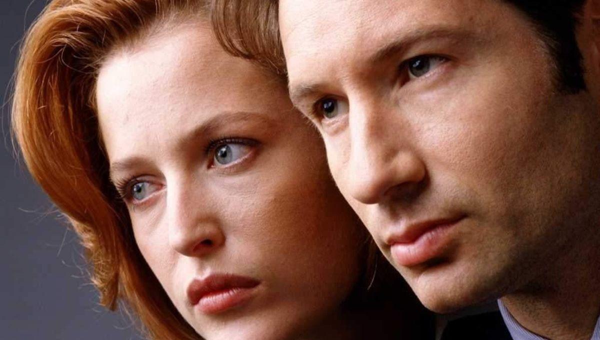 X-Files-David-Duchovny-Gillian-Anderson.jpg