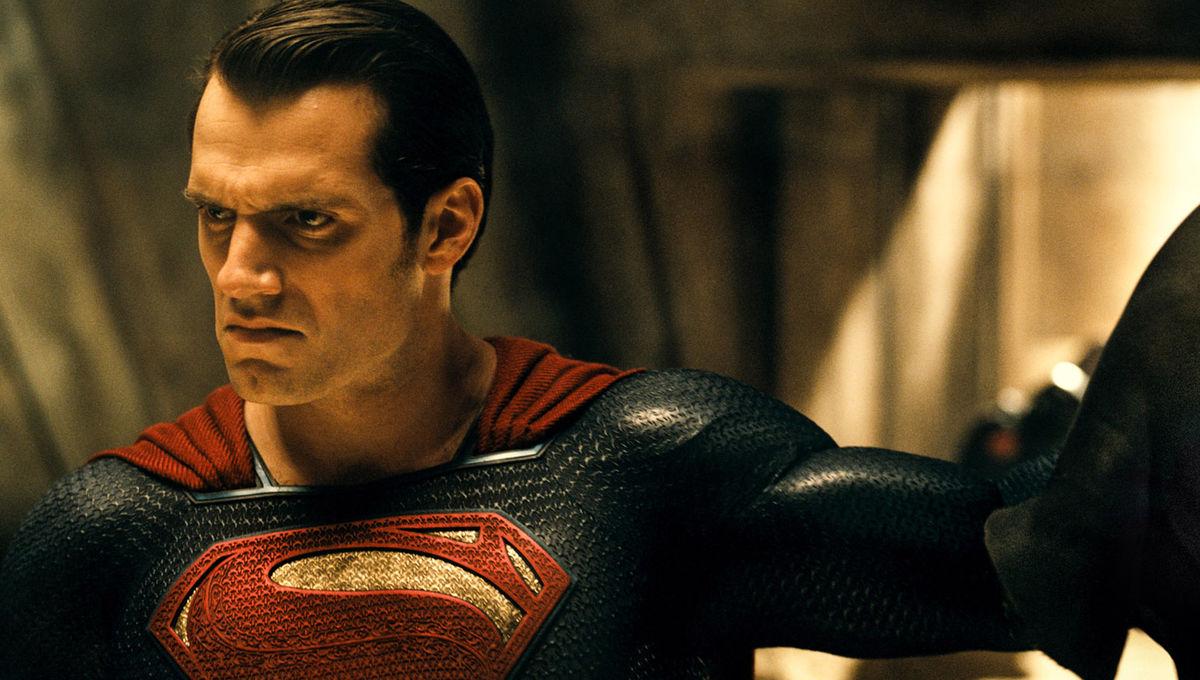 batman-v-superman-henry-cavill.jpg