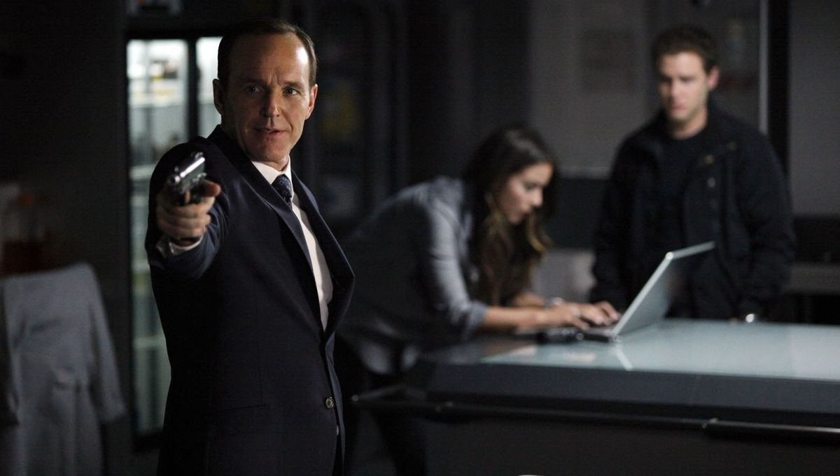 chloe-bennet-marvel-s-agents-of-s.h.i.e.l.d.-episode-117-promos_8.jpg