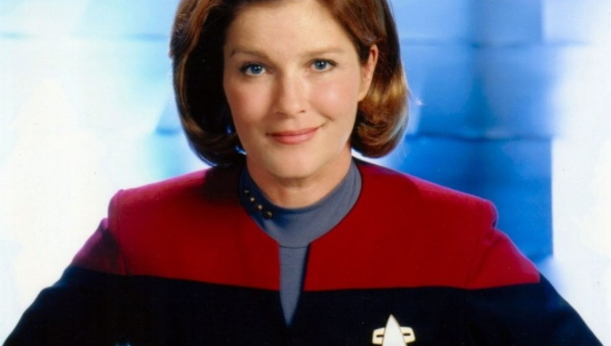 Kate Mulgrew red