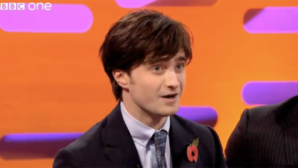 daniel radcliffe sings every periodic table element in 1 minute syfy wire - Periodic Table Song Daniel Radcliffe