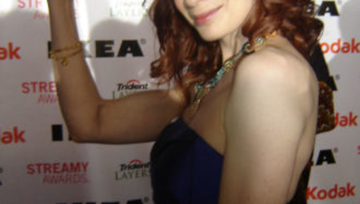 Felicia_day_Streamy_flex.jpg