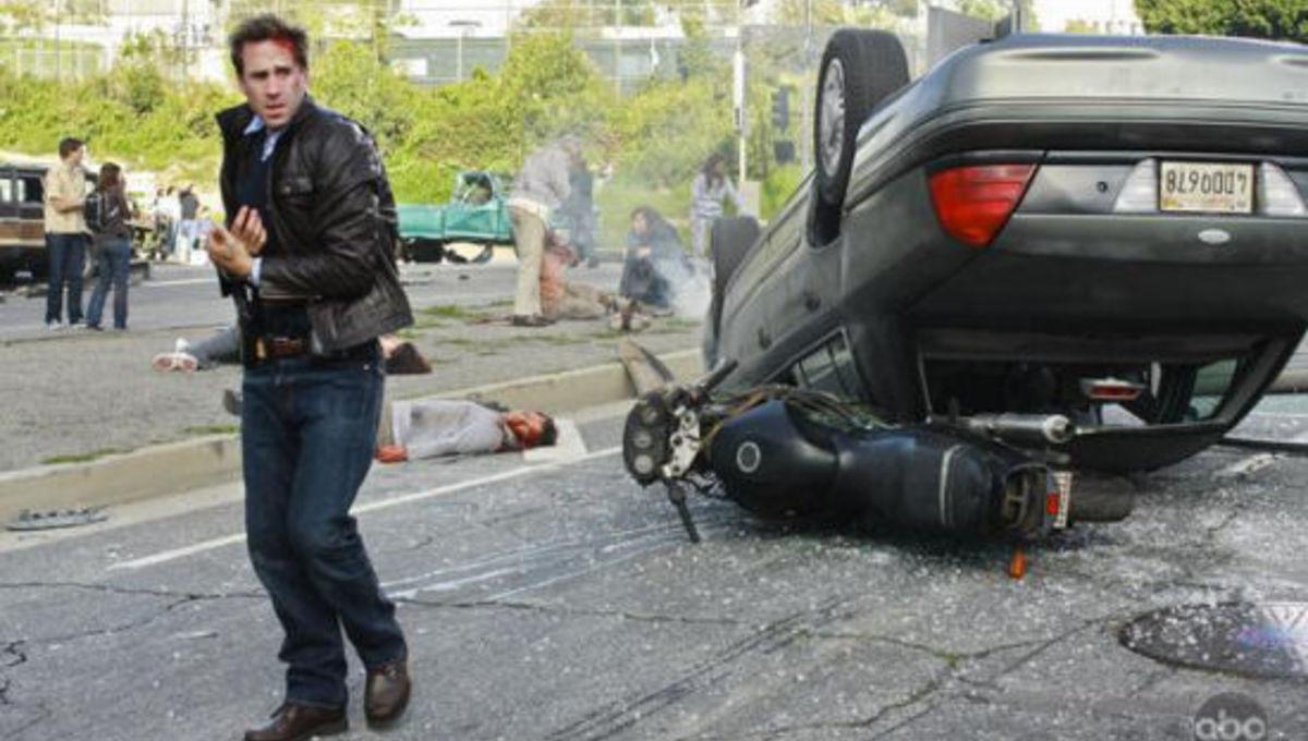 FlashForward_Joseph_Fiennes_carwreck.jpg